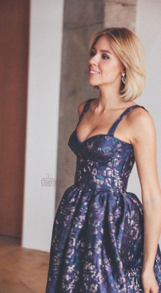 Синее платье из жаккардовой ткани