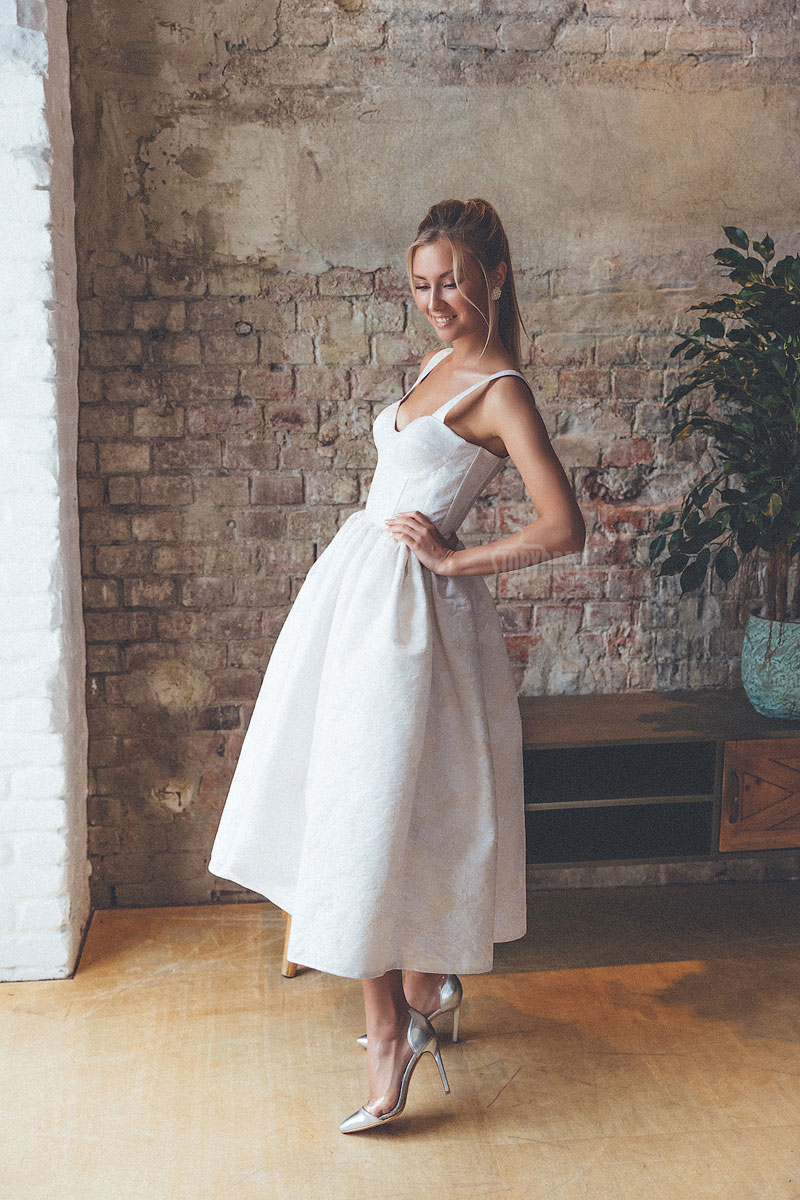 Коктейльное платье с жаккардовым цветочным рисунком