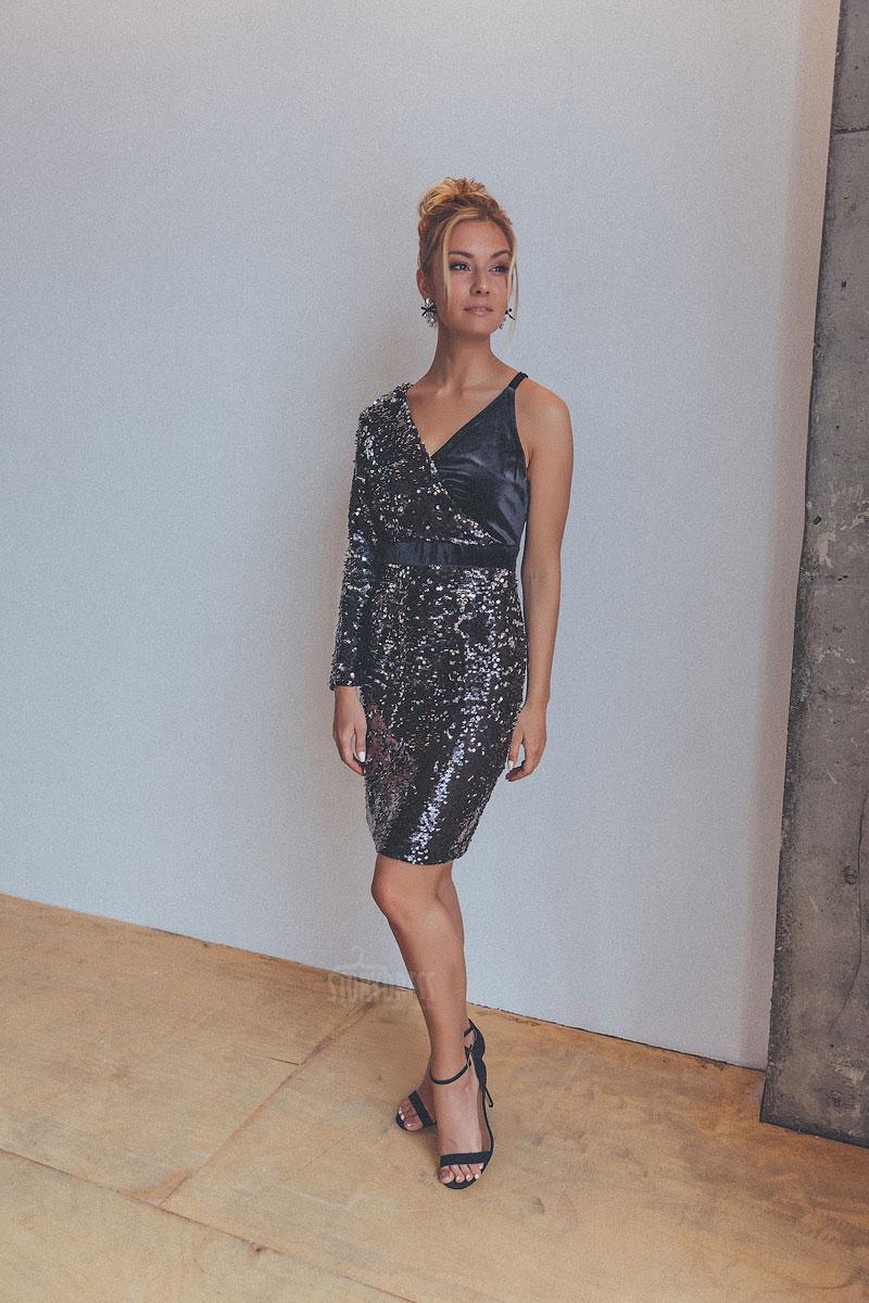 Коктейльное платье из бархатной эластичной ткани