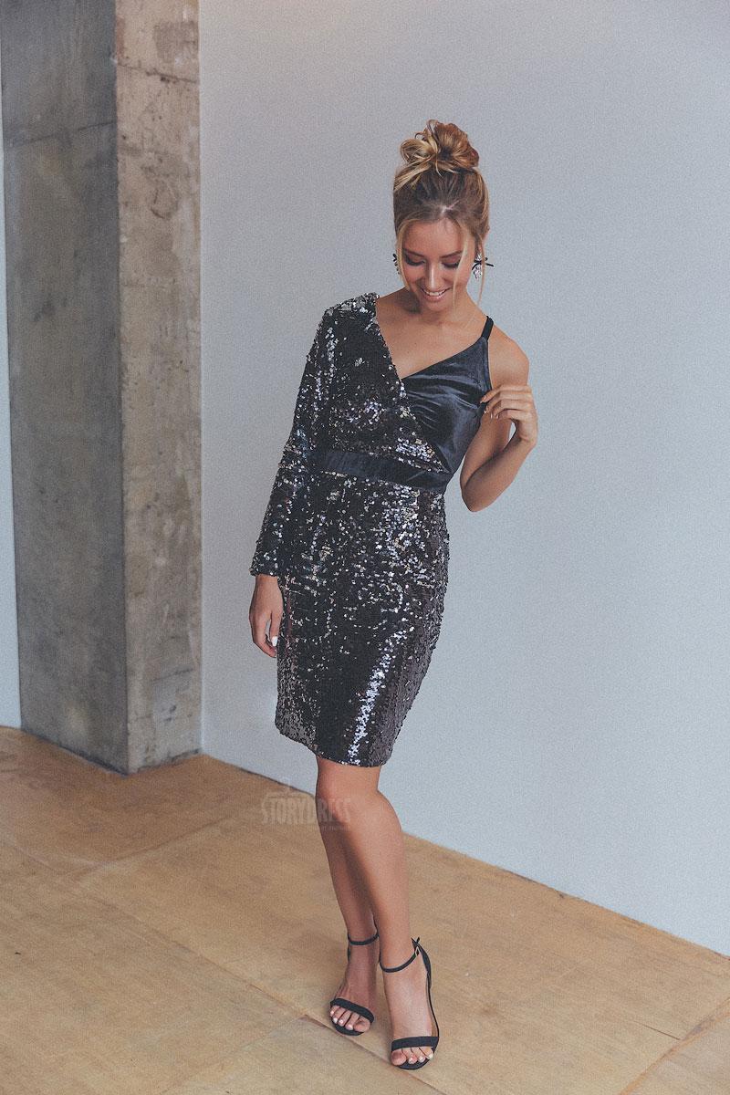 Ассиметричное короткое платье черного цвета