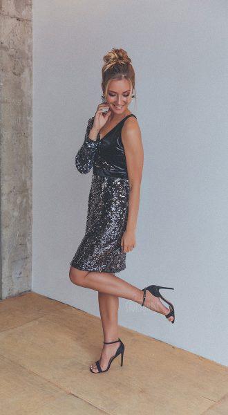 Коктейльное платье с материалом разных фактур