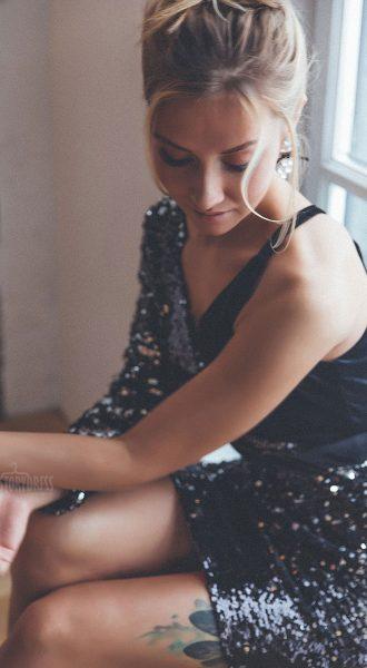 Коктейльное ассиметричное платье