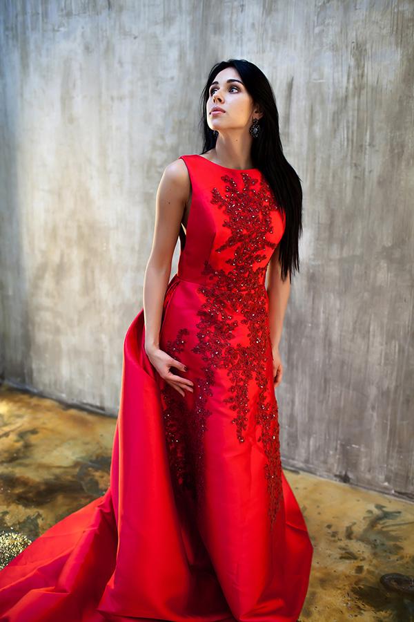 Платье с длинным шлейфом в прокат для фотосессии