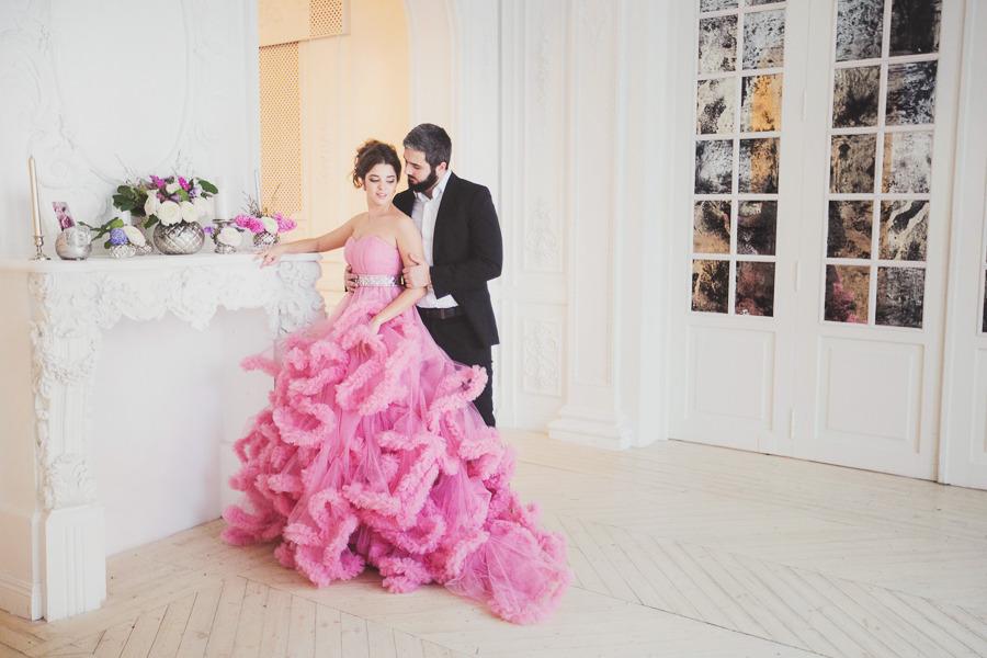 Невероятное платье с открытыми плечами