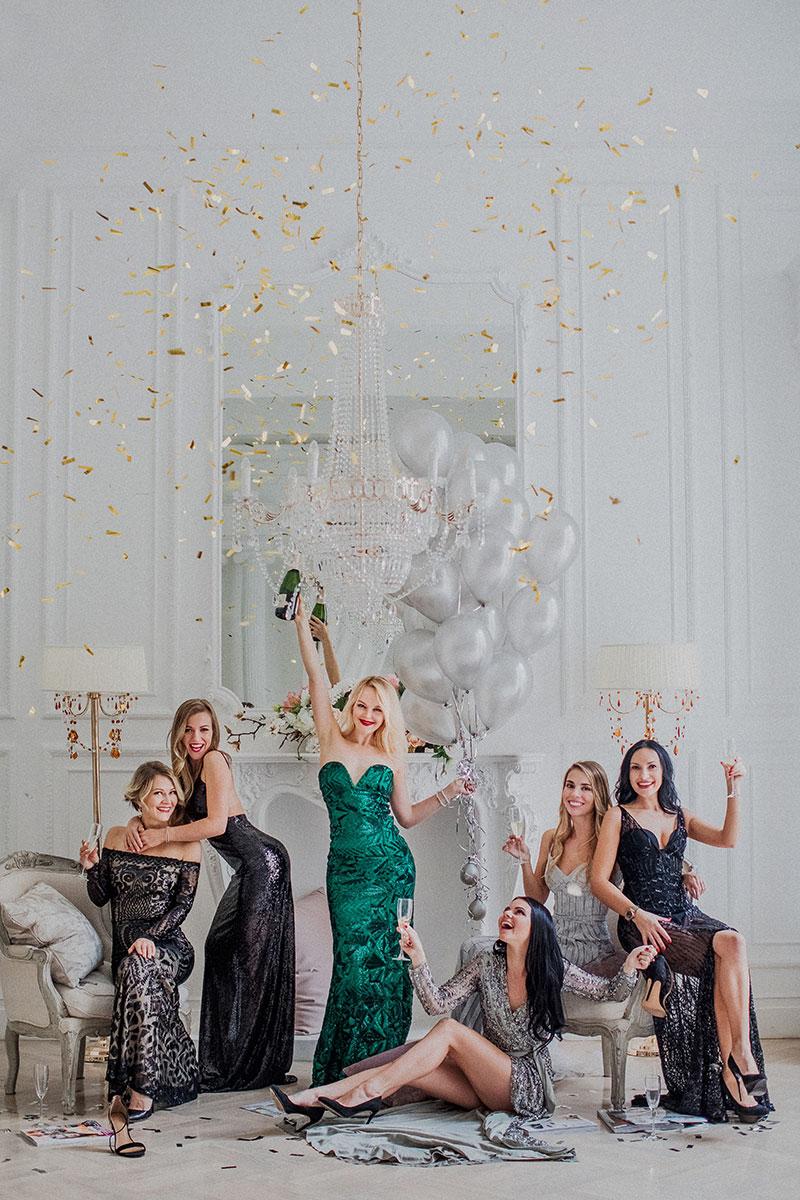 Фотосессия девичника с подругами в красивых платьях
