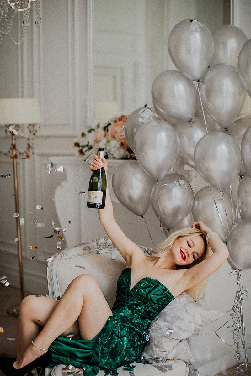 Фотосессия девичника с воздушными шарами