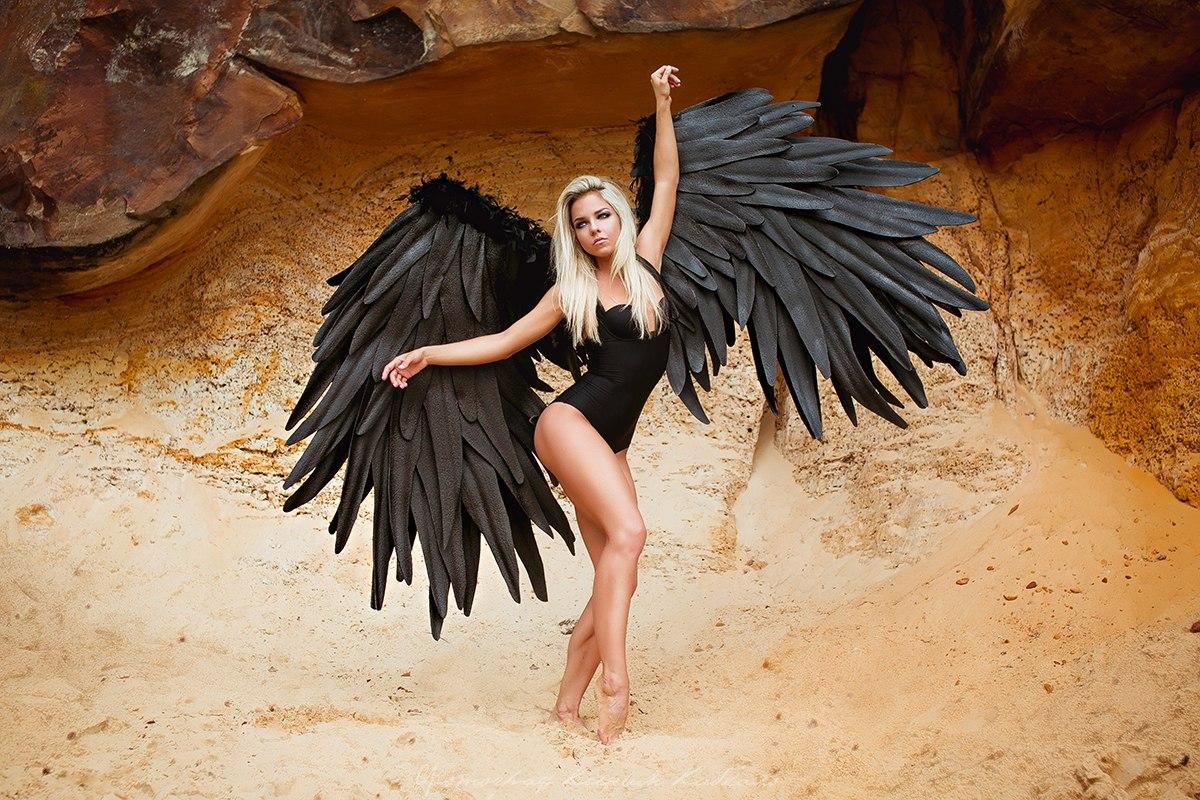 Крылья чёрного ангела