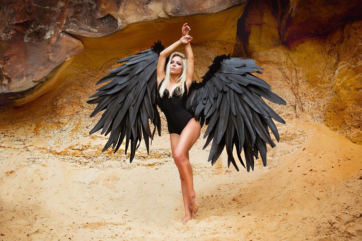 Черные крылья ангела напрокат для необычной фотосессии