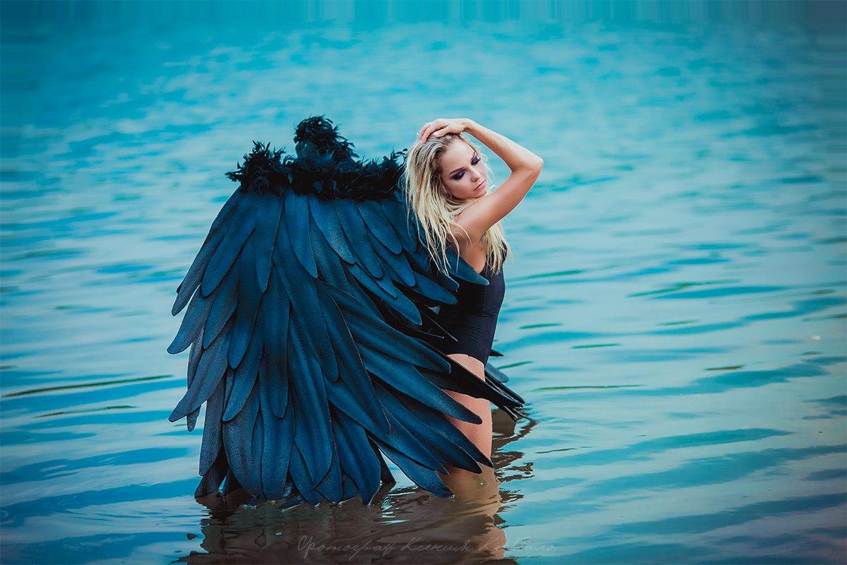 Черные крылья ангела напрокат