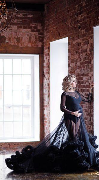 Элегантное прозрачное платье-облако для беременной