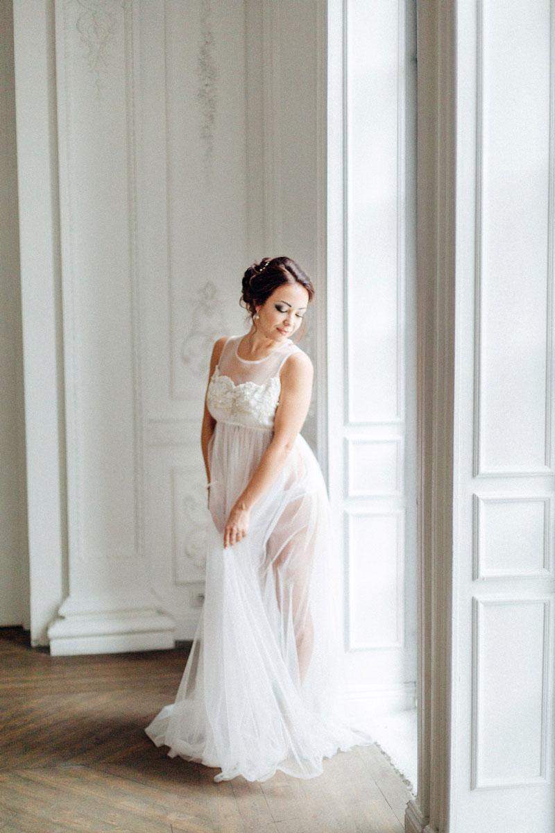Прозрачное платье Lilit White
