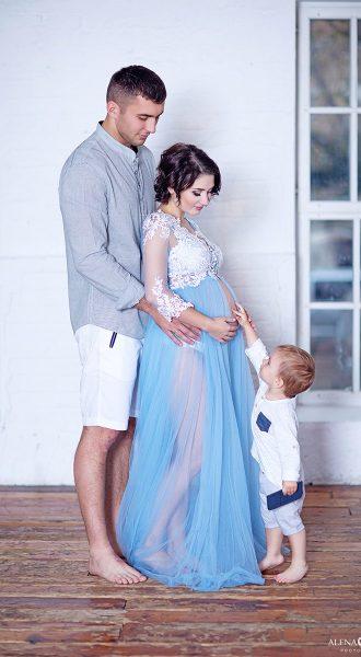 Фотосессия беременной с мужем и сыном