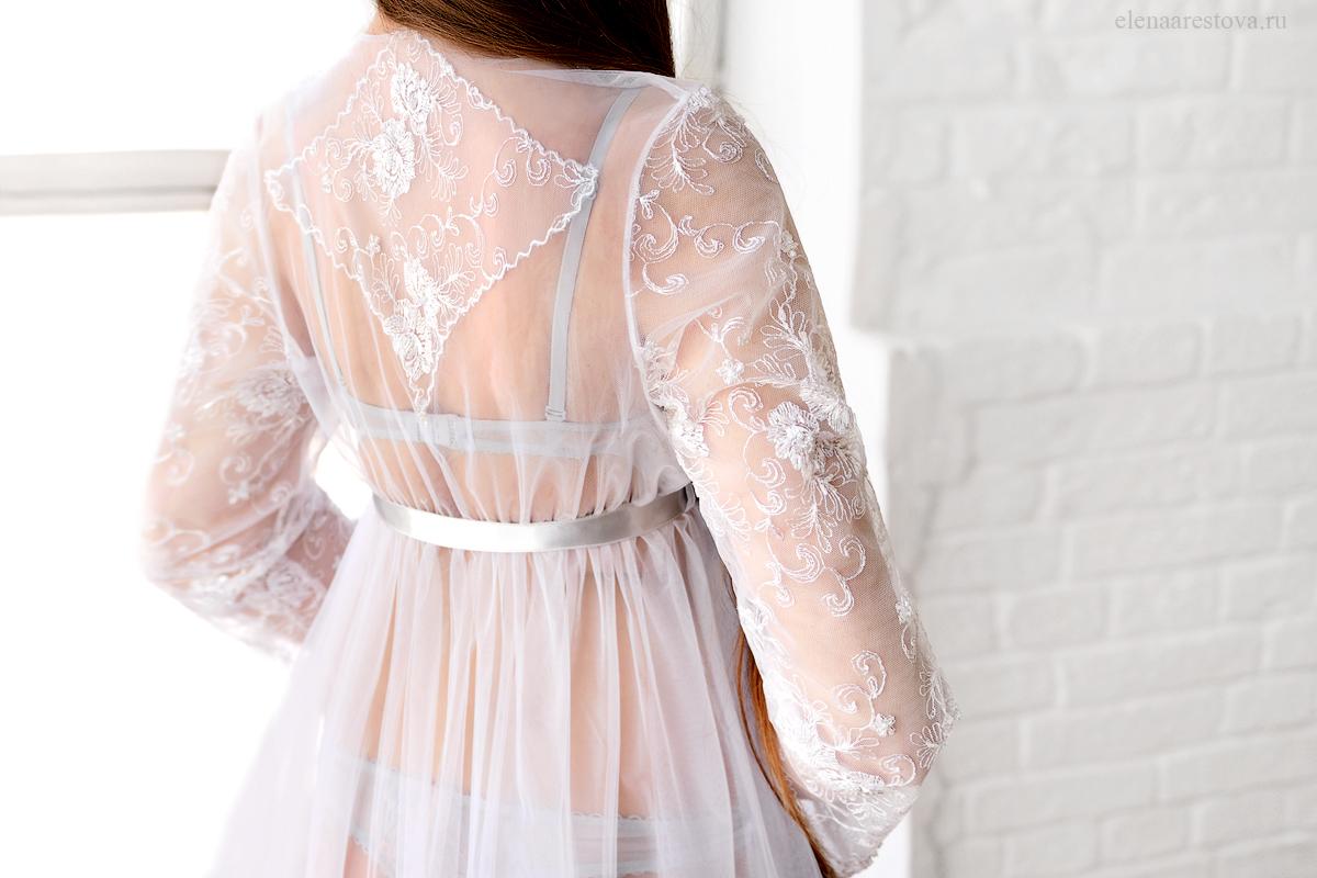 Белое легкое будуарное платье