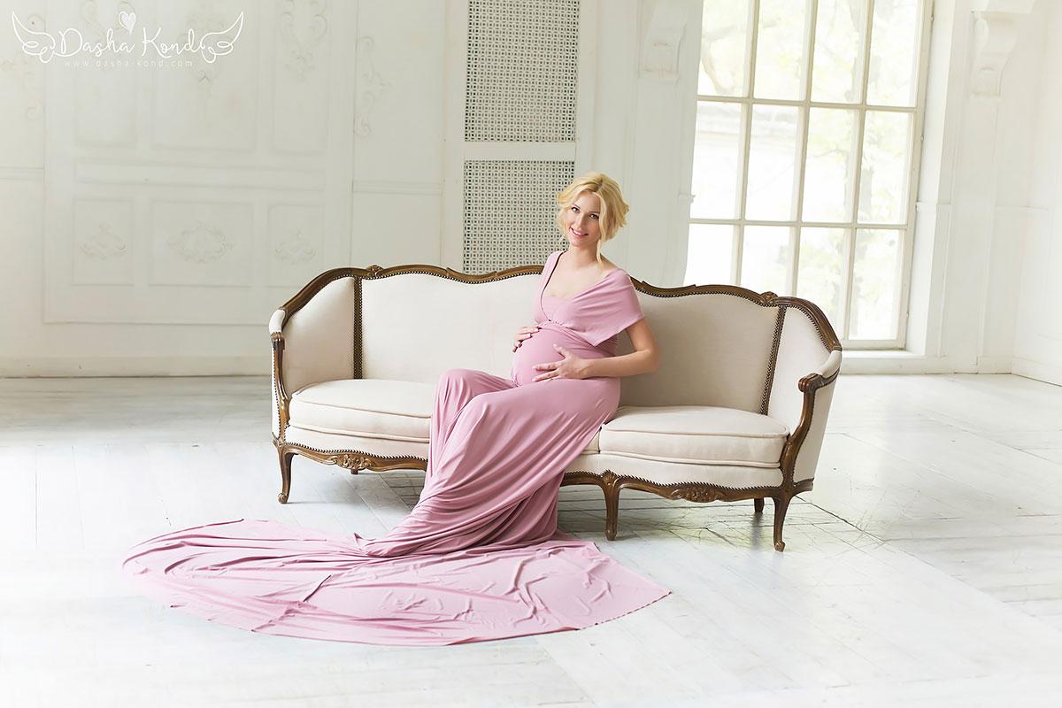 Розовое платье-трансформер для беременных