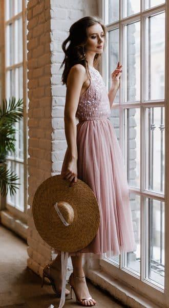 Коктейльное платье пудрово-розового цвета Holly Rose