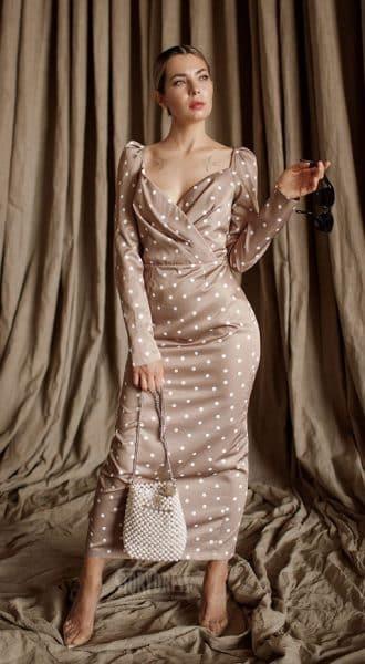 Коктейльное платье в горошек Hollywood