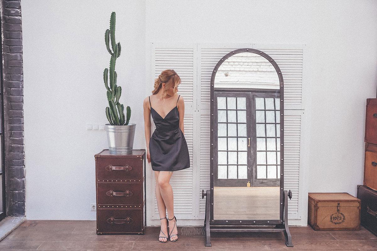 Черное коктейльное платье мини формата