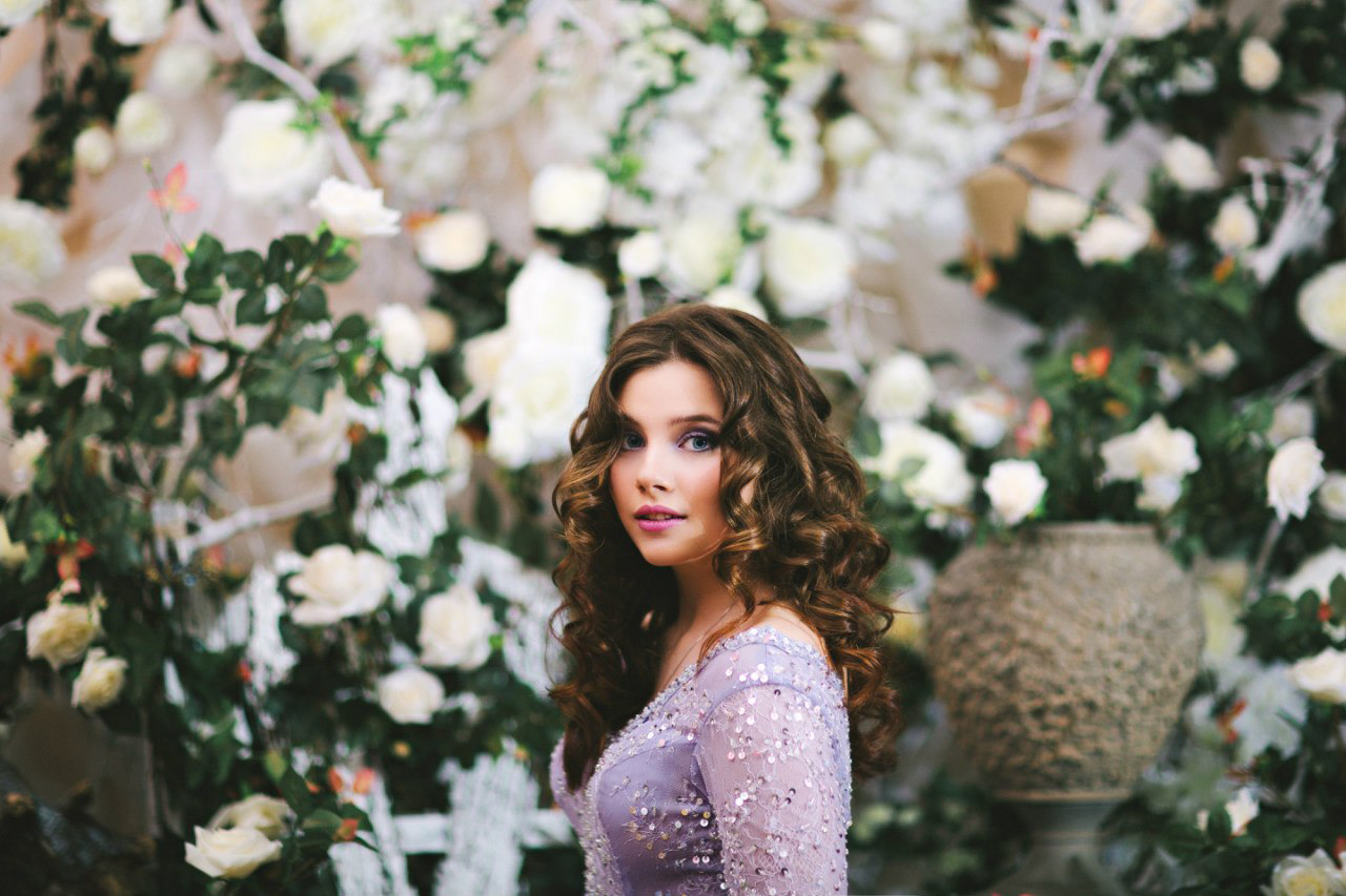 Фотосессия Елизаветы Казаковой в образе Алисы в стране чудес