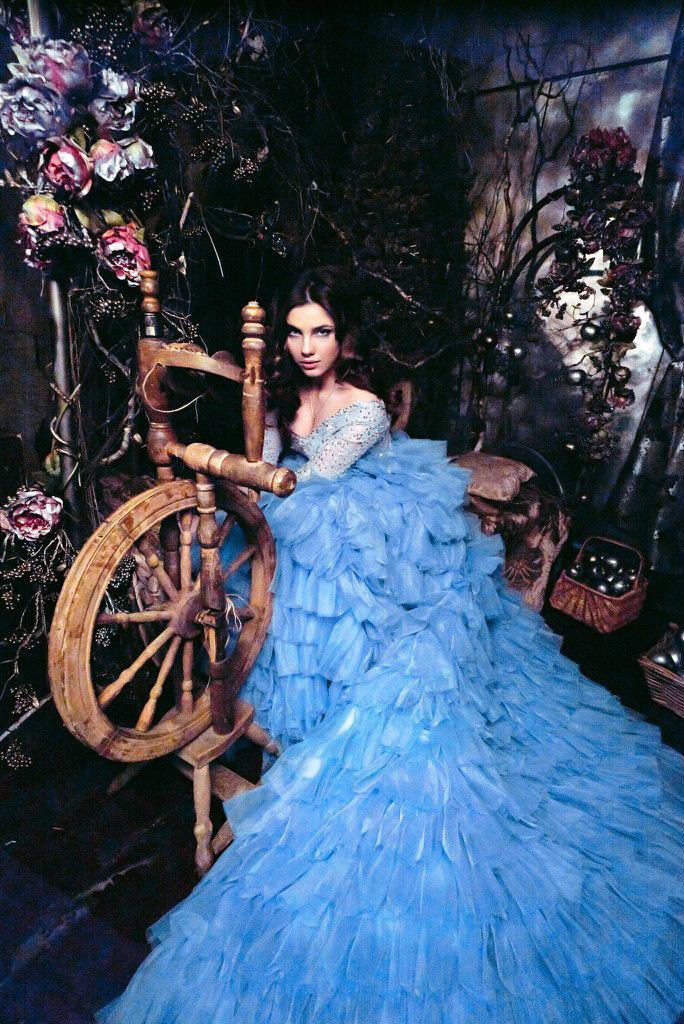 Фотосессия Лизы Казаковой в образе Спящей красавицы