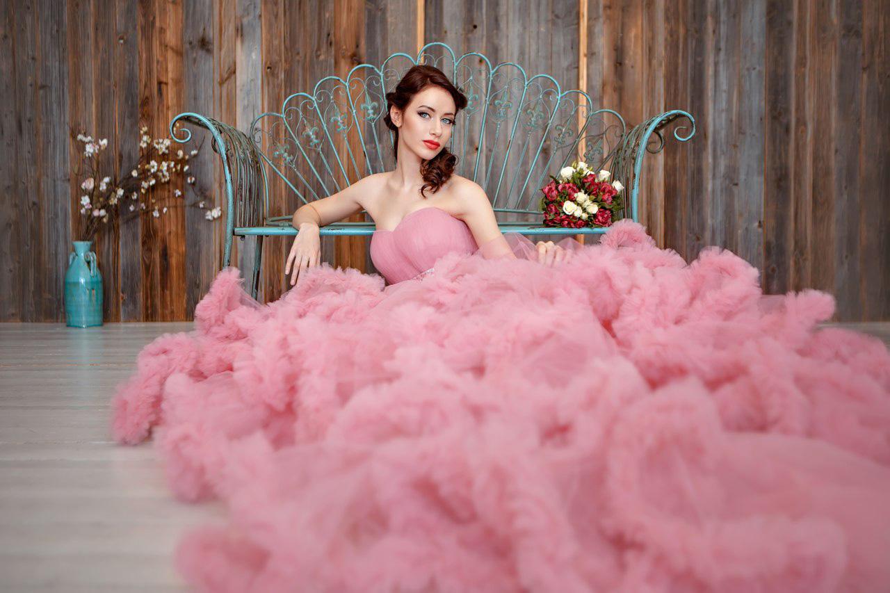 Фотосессия в пышном платье-облаке (образ неприступной принцессы)