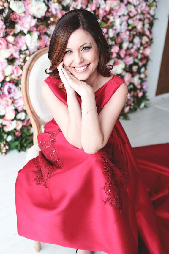Платье для фотосессии с длинным шлейфом