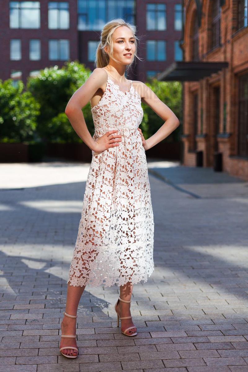 Кружевная платье кремового цвета