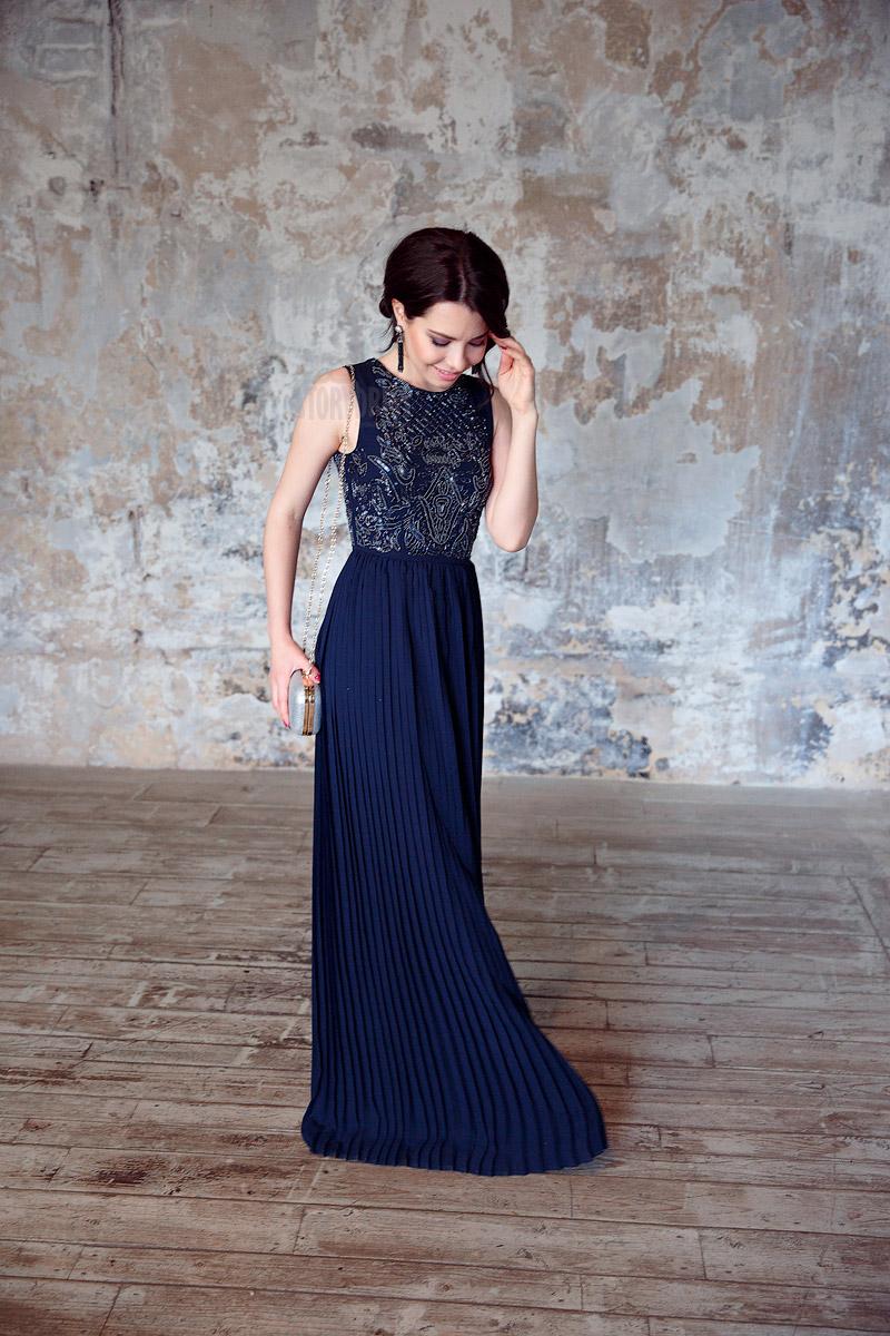 Темно-синее платье-плиссе