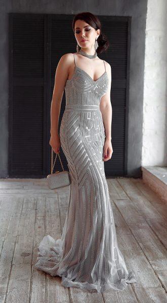 Платье в пол на бретелях для летнего вечера