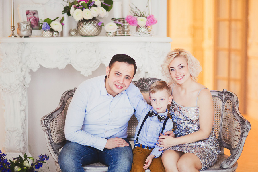 Семейная фотосессия в студии Москва
