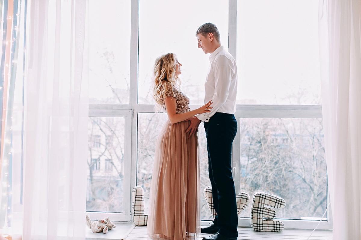 Платье в пол из фатина для беременных