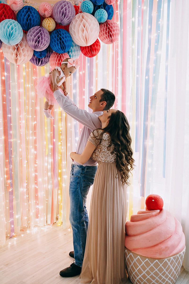 Трогательная семейная фотосессия с мужем и дочкой