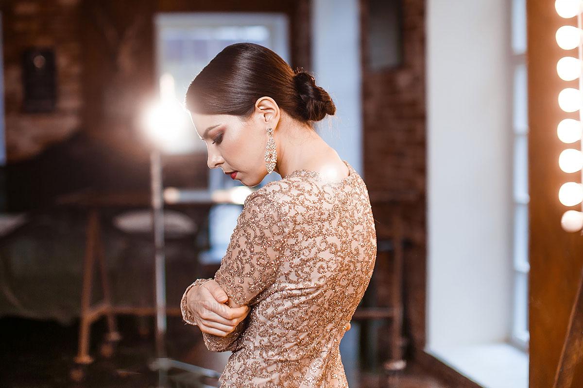 Вечернее платье для образа элегантной леди