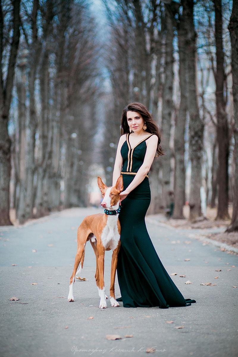 Фотосессия в платье с собакой