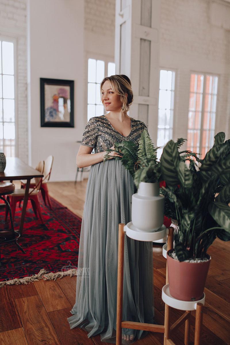 Вечернее платье серо-зеленого оттенка