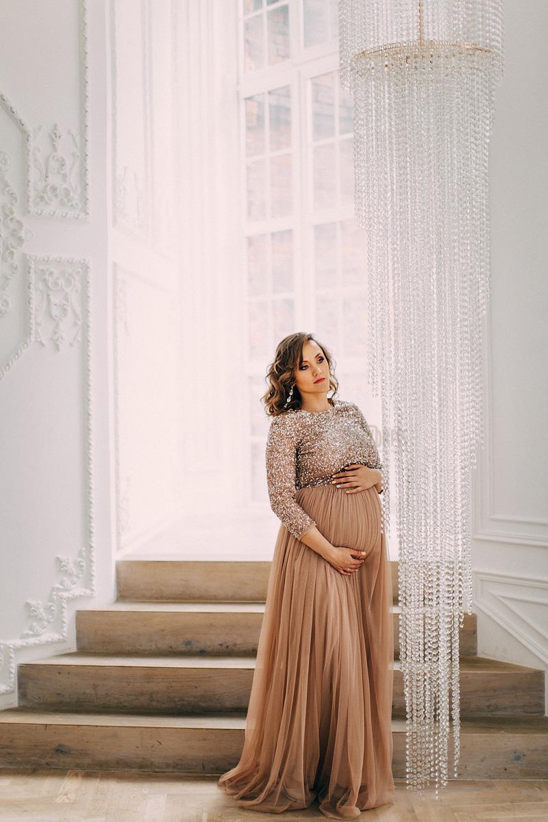 Платье из легкого шифона светло-коричневого цвета