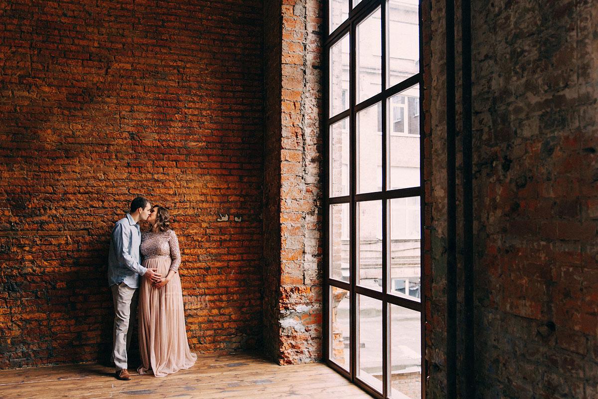 Фото семейной пары в ожидании чуда