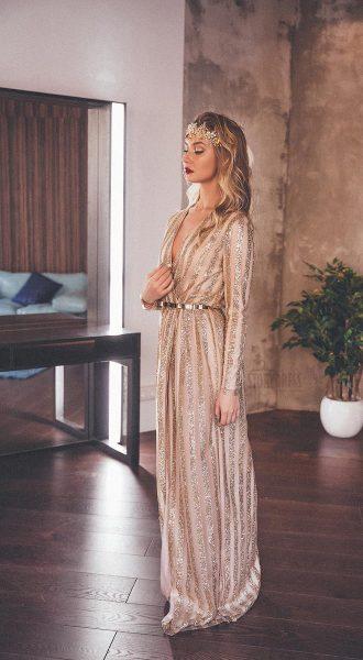 Платье-халат с полосками блесток золотого цвета