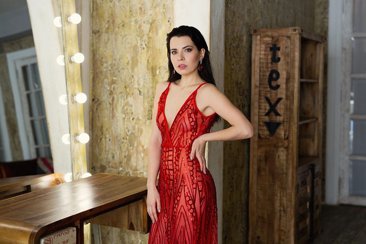 Вечернее платье Naomi Red в аренду
