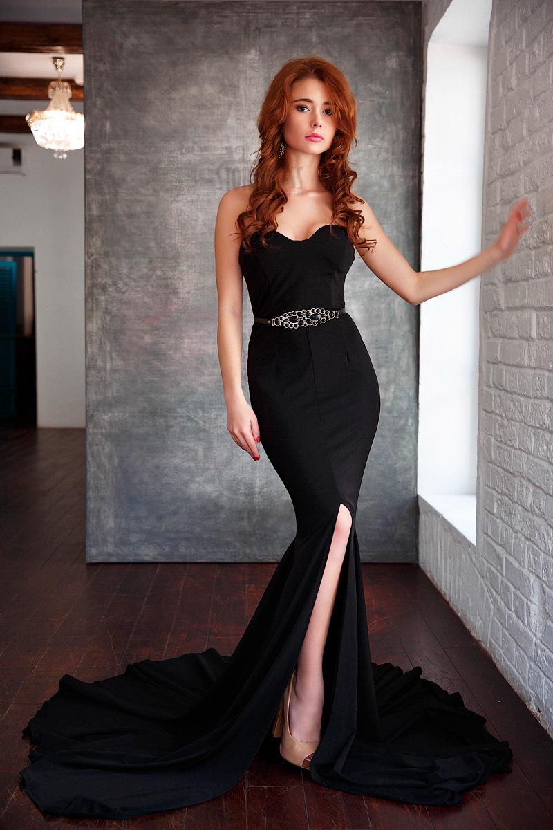 Вечернее платье с шлейфом в аренду Black Panther