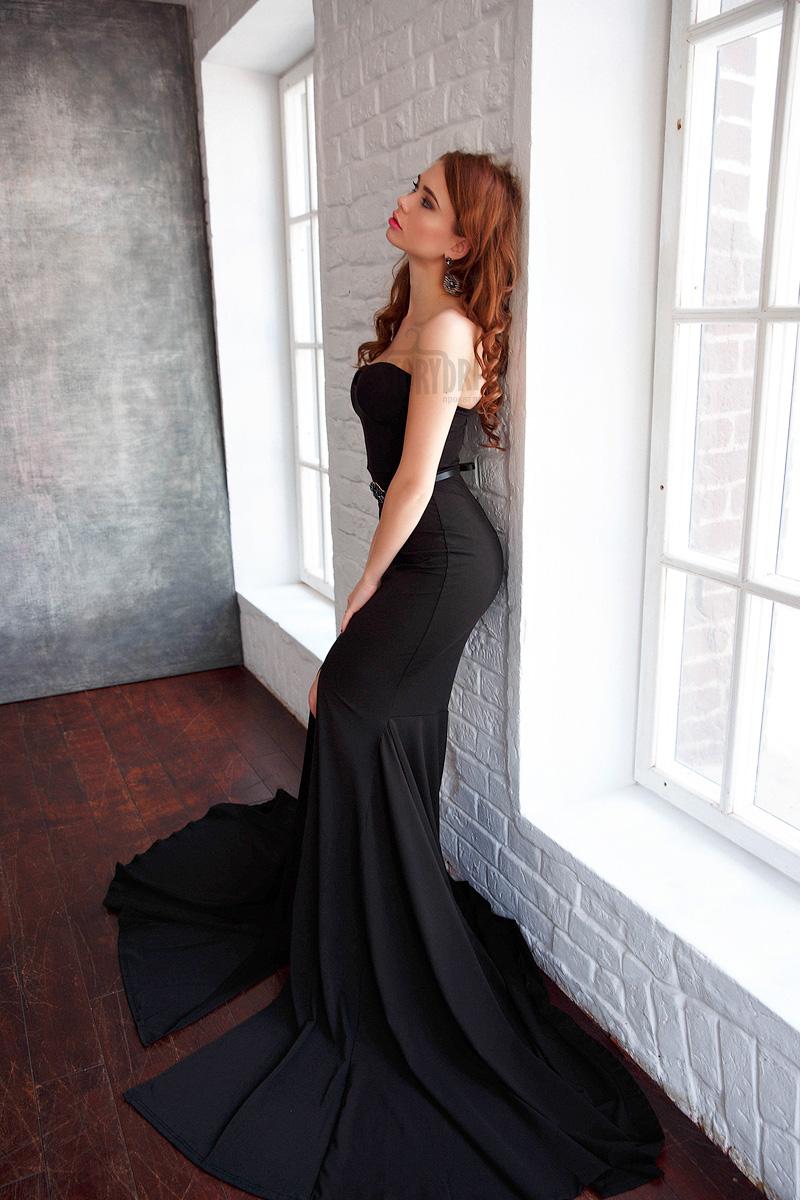 Уникальное платье из черной матовой ткани