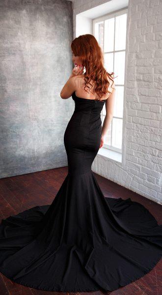 Черное платье-русалка со шлейфом