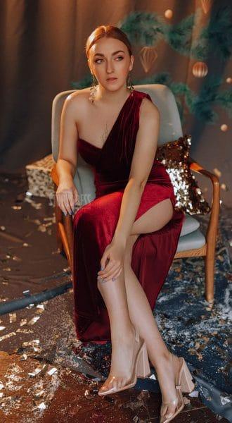 Платье на одно плечо Sara Red
