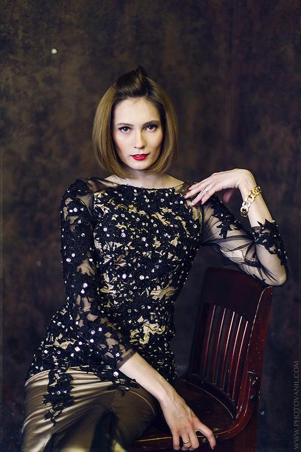 Вечернее платье бронзового и черного цвета