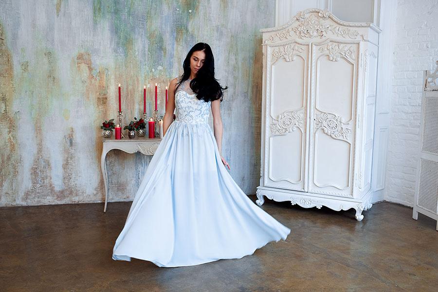Прокат голубого платья в пол недорого