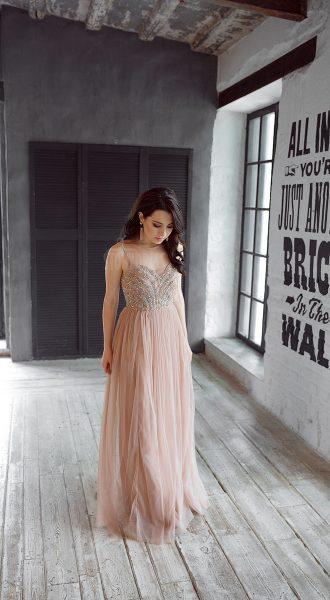 Платье с шифоновой юбкой и расшитым лифом
