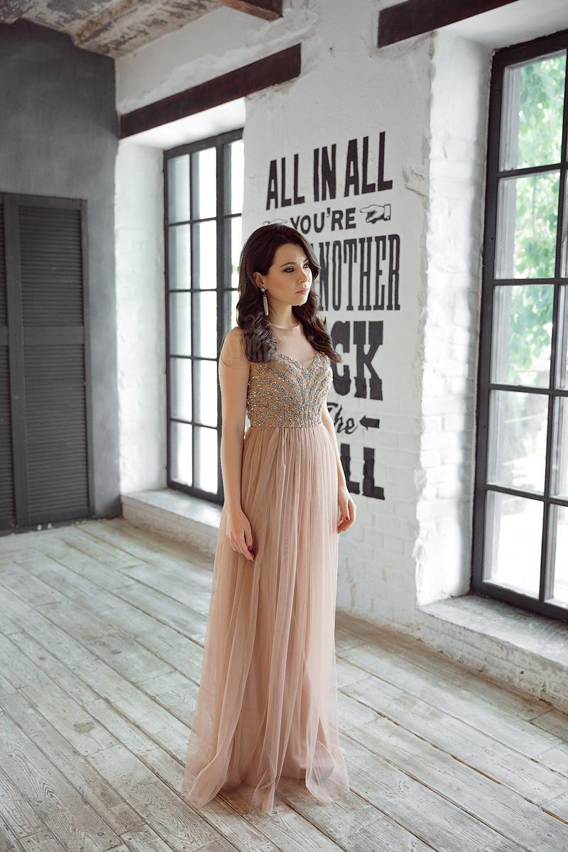 Вечернее платье со светло-коричневой шифоновой юбкой