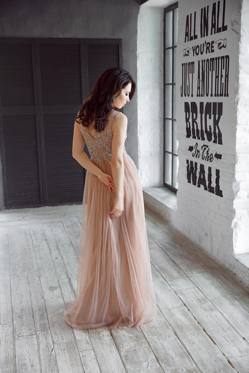 Нежное платье в пол с юбкой из воздушного фатина
