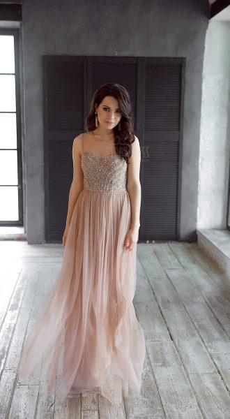 Вечернее платье из тончайшего многослойного шифона