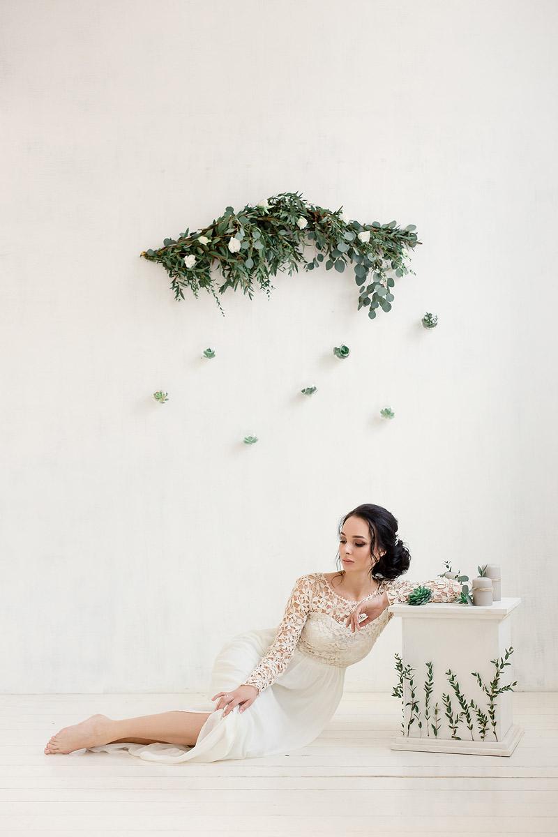 Грациозно-утонченное платье с воздушным кружевом