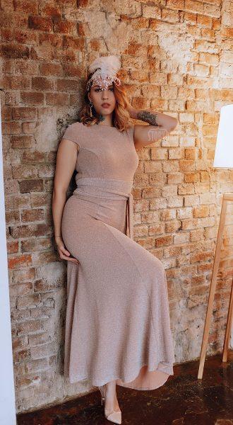 Вечернее платье с люрексом теплого нюдового оттенка